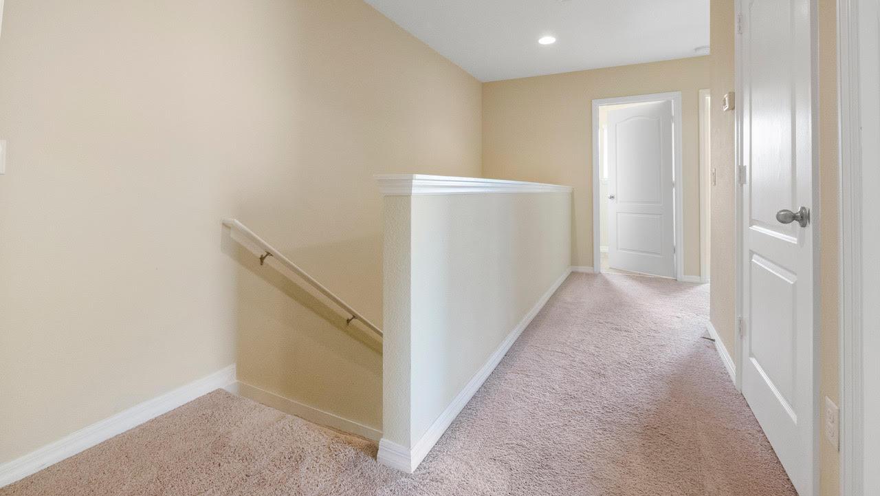 1220 Upstairs 2
